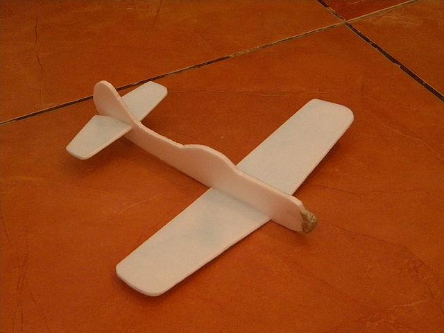 Как из пенопласта сделать самолета